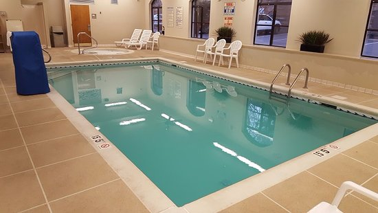 Indoor pool for family fun picture of baymont inn suites asheville biltmore asheville for Biltmore estate indoor swimming pool