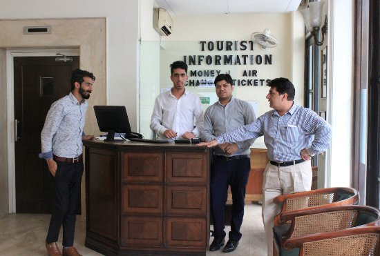 Hotel Ajanta: Not often that hotel staff are so ernest and helpful