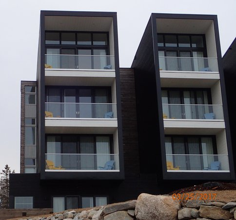 Summerville Centre, Canada: Lofts with the side where the dropped out tubs are.