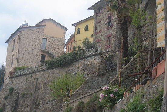 Beverino, Italy: Paese da sotto