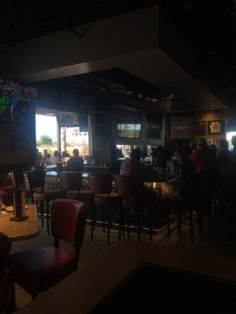 Port Saint Lucie, فلوريدا: indoor/outdoor bar