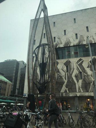 City and harbourwalk: Rotterdam city: moderna e histórica ao mesmo tempo!