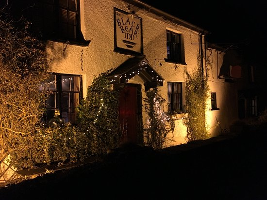 The Black Bear Inn: Tasty meals, nicely presented with great atmosphere.