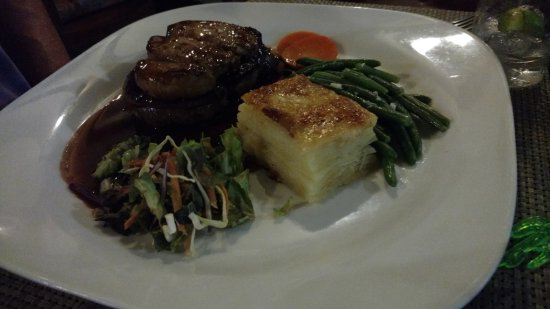 Cook's  Bay, เฟรนช์โปลินีเซีย: Beef