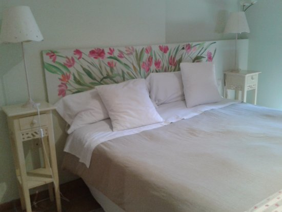 Tizneros, Espanha: My very pretty - and equally comfortable - room