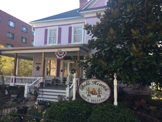 Belle Hearth Bed and Breakfast: photo0.jpg