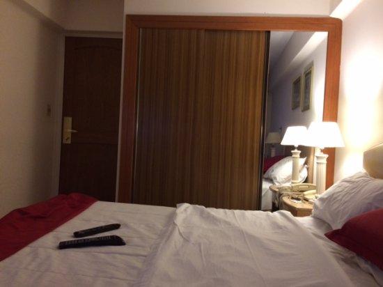 Salto Grande Hotel: habitación chica