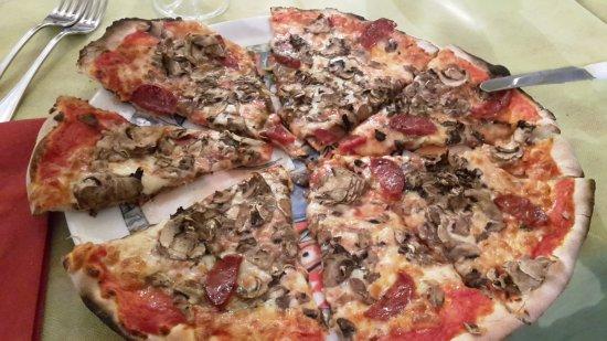 Pizzeria La Credenza Bari : Pizza buonissima recensioni su pizzeria trattoria da rosanna