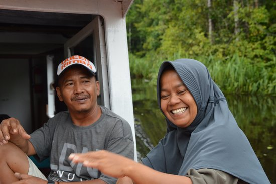 Rimba Orangutan Eco Lodge: Our guide Adi, and cook, thank you very much