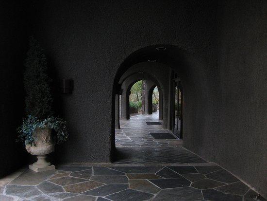 Palmaz Vineyards: Exterior