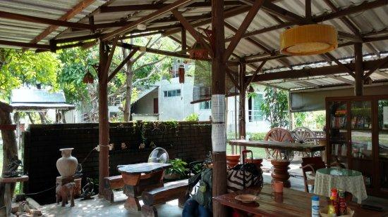 Gongkaew Chiangmai Home: IMG_20170402_200603645_HDR_large.jpg