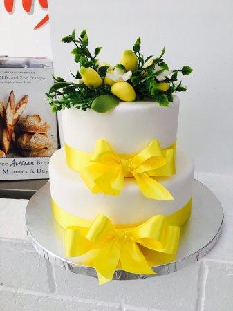 Pleasant Love It Beautiful Yellow And Green Themed Special Birthday Cake Funny Birthday Cards Online Elaedamsfinfo