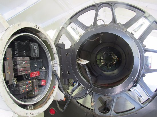 Nike Missile Site SF-88 : Inside view