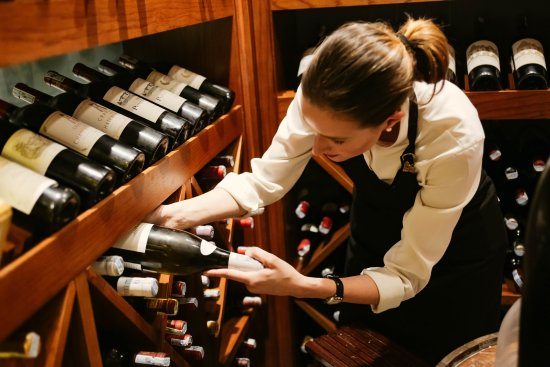 Press Club: The beautiful sommelier
