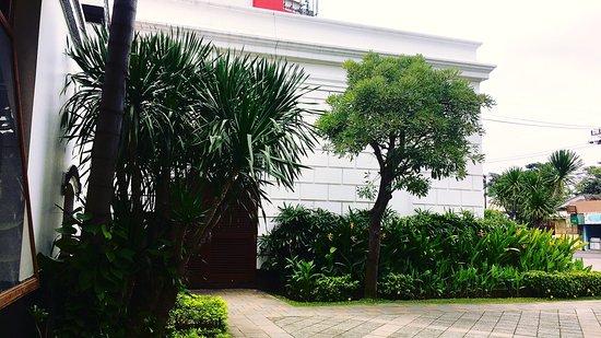 Gambar House of Sampoerna Cafe - Surabaya Foto - Tripadvisor