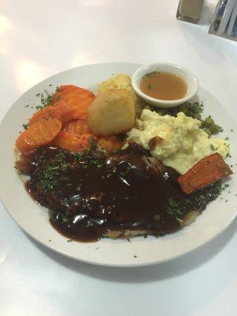 Longford, Australia: Roast of the Day (half serve!)