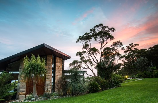 Entrance - Picture of Tumbling Waters Retreat, Stanwell Tops - Tripadvisor
