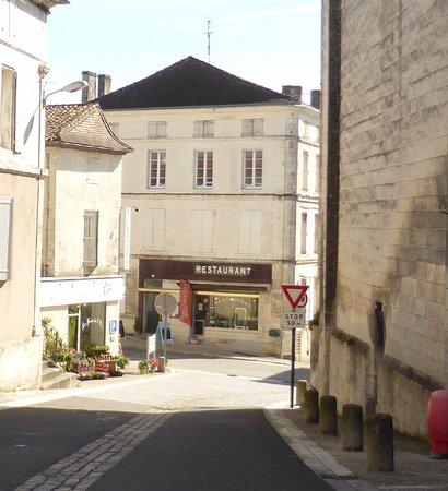 Montmoreau-Saint-Cybard, Frankrijk: la Gourmandise Montmoreau saint Cybard 16