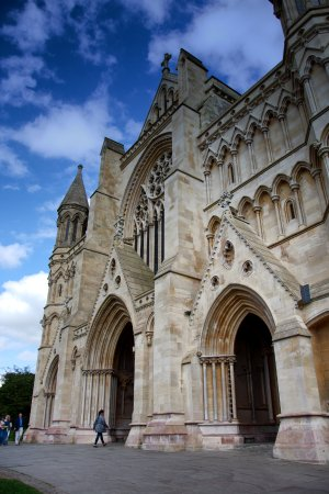 St Albans Cathedral : Main entrance