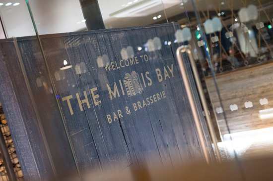 The Minnis Bar And Restaurant
