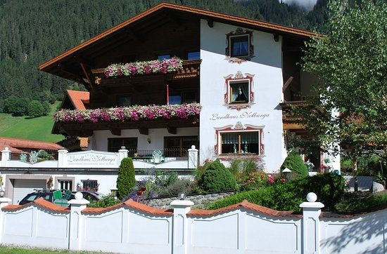 """Gries im Sellrain, ออสเตรีย: """"LANDHAUS NOTBURGA"""" Ihre sympathische Adresse für ein sehr schönes Landhaus im Sellraintal"""