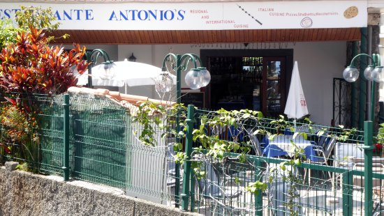 Antonio's : Von der Straße aus gesehen