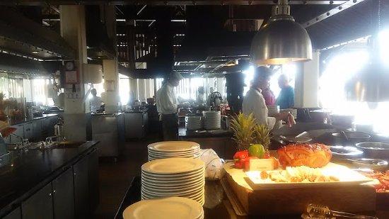 Riverside Terrace: ライブキッチンも種類がたくさん