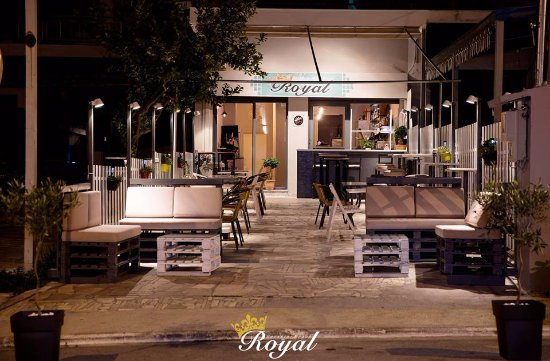 Gerakini, Yunani: ROYAL CAFE-WINE BAR-BISTRO