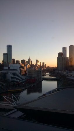 Hilton Melbourne South Wharf: The city view is incredible.