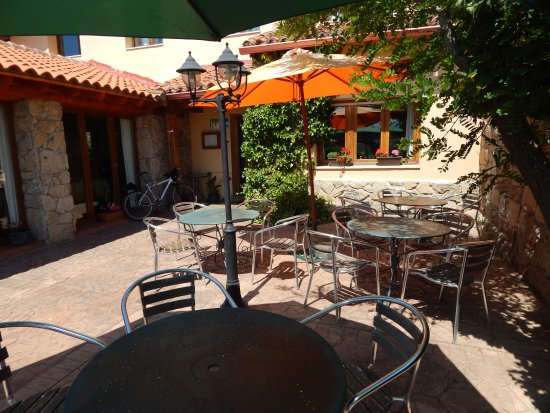 Restaurante la Galana: terraza de verano