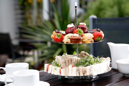 Best Western Plus Manchester Airport Wilmslow Pinewood Hotel: Afternoon Tea