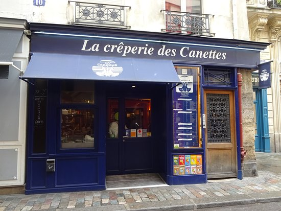 Creperie des Canettes: 可愛い店舗外観
