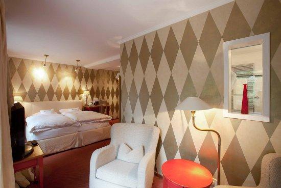romantik hotel hof zur linde 162 1 9 4 updated 2018 prices reviews muenster germany. Black Bedroom Furniture Sets. Home Design Ideas