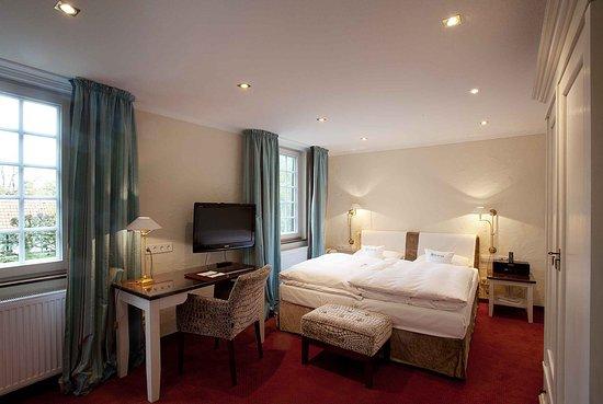 romantik hotel hof zur linde muenster tyskland hotel anmeldelser sammenligning af. Black Bedroom Furniture Sets. Home Design Ideas