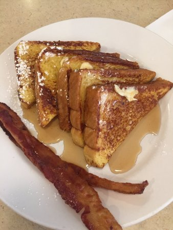 Seymour, CT: Texas French Toast