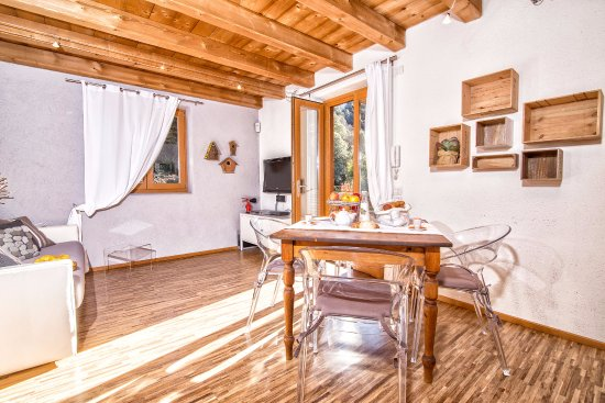 Soggiorno/Cucina - Foto di Sweet Laghel Apartments, Arco - TripAdvisor