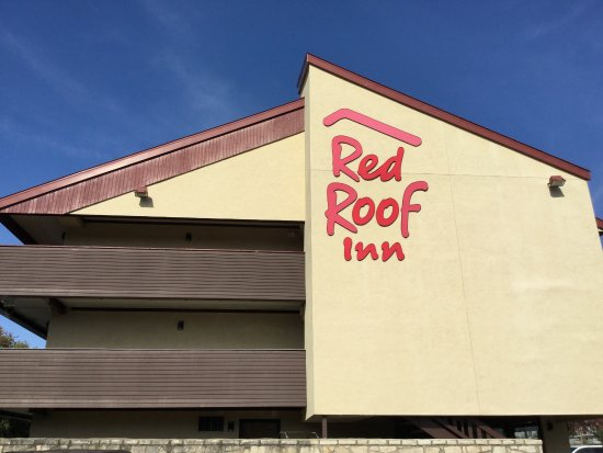Great Red Roof Inn Louisville Fair And Expo.
