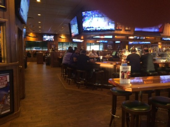 Woodbridge, Nueva Jersey: Active Bar Scene