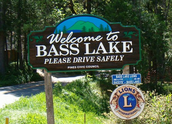 Knox, IN : Bass Lake, IN welcome sign