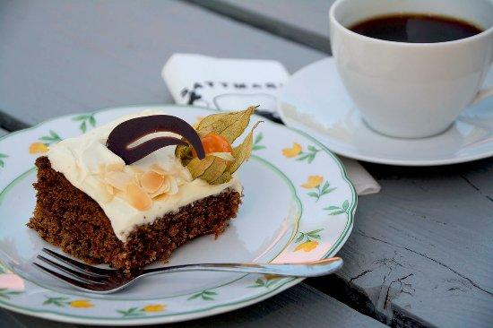 Параинен, Финляндия: Oman leipomon porkkanakakkua ja tuoretta kahvia