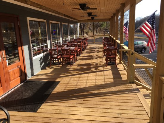 Sperryville, VA: Outdoor seating under the covered porch.