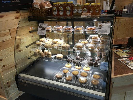 Sperryville, VA: All desserts are baked fresh on-site!!