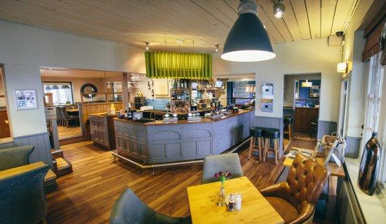 Whittington, UK: bar