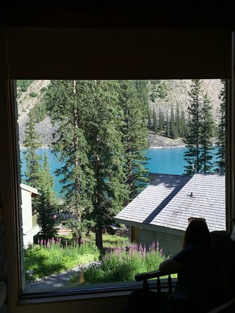 Moraine Lake Lodge: Close up of view out of our lounge window of Deluxe King Cabin.