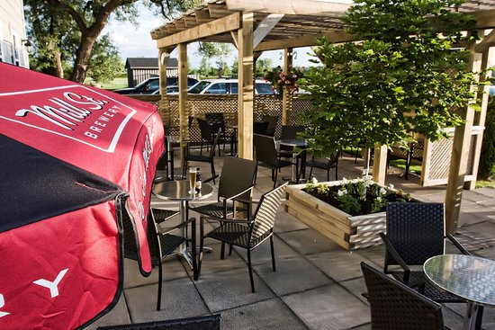 St. Marys, Kanada: Our Patio - a great place to enjoy a glass of wine or a nice cold beer.