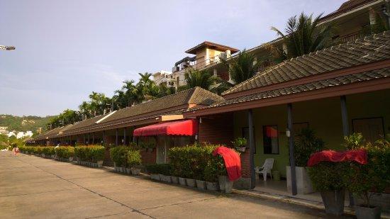 Eazy Resort Kata Beach: отель
