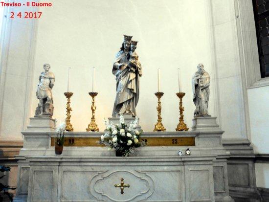 Cattedrale di San Pietro Apostolo: Interno