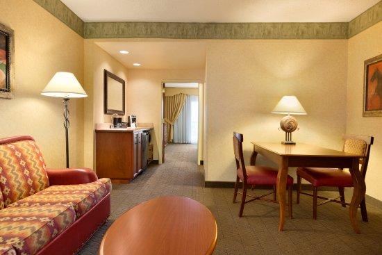 Interior - Picture of Embassy Suites by Hilton Albuquerque, Albuquerque - Tripadvisor
