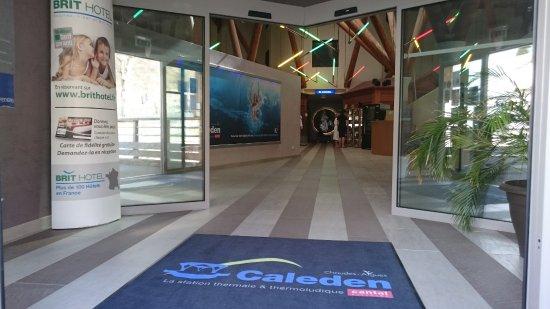Caleden Complexe Thermale et Thermoludique de Chaudes Aigues : Hall d'entrée CALEDEN