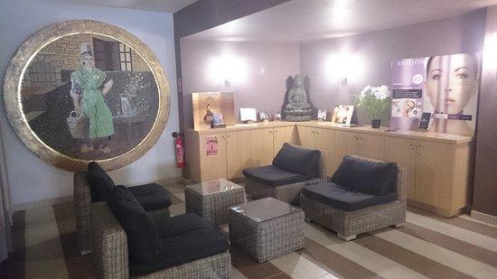 Caleden Complexe Thermale et Thermoludique de Chaudes Aigues : Hall Salon d'attente